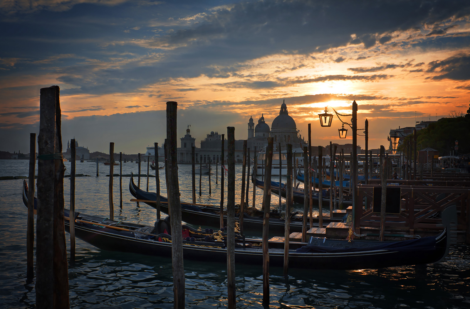 Venecia_Muelle_San_Marcos_full_res_1600